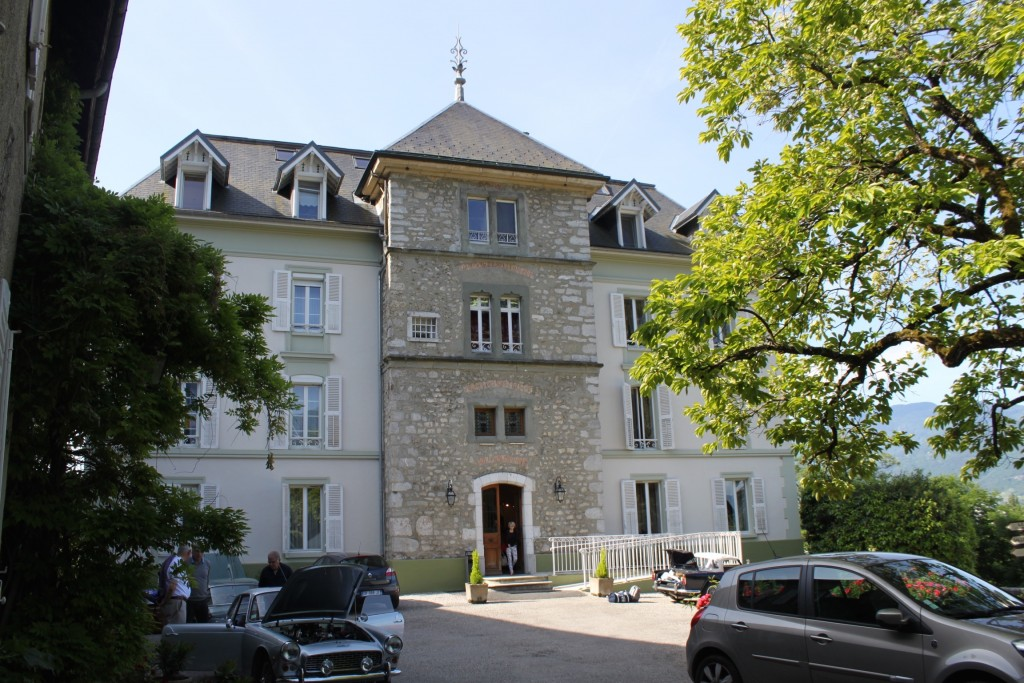 Overnight at Château des Comtes des Charmes, 247 Montée du Château, 73190 Challes les Eaux